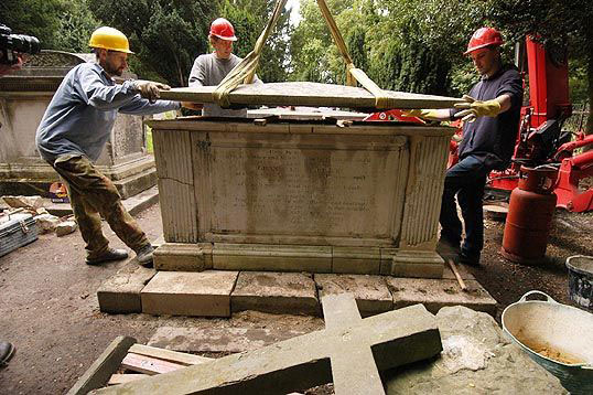 restoration of Granville Sharp tomb by Minerva